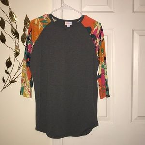 Grey LuLaRoe 3/4 sleeved shirt